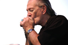 10_Charlie Musselwhite (3)